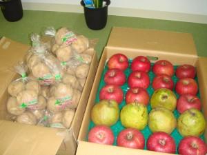 佐藤様より りんご、梨、じゃがいも